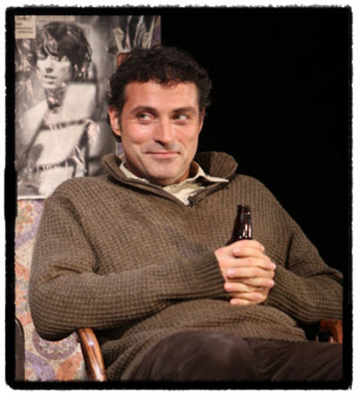 Rufus_sewell_in_rock_n_roll_2